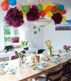 Party | Floral | Extendable NORDEN table | Make your own flower decorations from FANTASTISK napkins | More inspirational home ideas from Antje in Germany in live from IKEA FAMILY