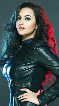 Indian Bollywood Actress, Bollywood Actress Hot Photos, Indian Actress Hot Pics, Bollywood Girls, Black Actresses, Indian Actresses, Hot Actresses, Beautiful Girl Indian, Most Beautiful Indian Actress