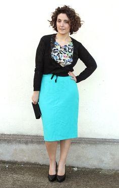 turquoise pencil skirt curvy fashion blog