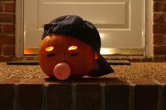 Halloween Pumpkin carved as a baseball player blowing bubble gum! #halloween