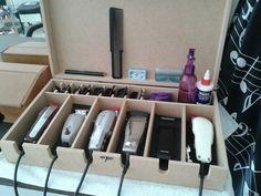 suporte-para-maquinas-de-barbeiro-cabeleireiro-promoco-D_NQ_NP_898515-MLB25248585030_122016-F.webp (1200×900)