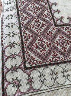 Cross Stitch Art, Cross Stitch Flowers, Cross Stitch Designs, Cross Stitching, Cross Stitch Patterns, Beaded Embroidery, Cross Stitch Embroidery, Embroidery Patterns, Sewing Patterns