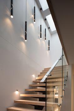 MINT Lighting Design - Stair Lighting – Pendant Lighting – Timber Stairs – Stairwell Lighting – Melbourne Australian Homes Staircase Design Modern, Home Stairs Design, Modern Stairs, House Design, Staircase Ideas, House Lighting Design, Stair Design, Open Staircase, Interior Modern
