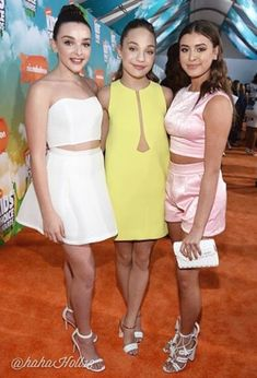 Added by #hahah0ll13 Dance Moms KCA 2016 Kendall Vertes, Maddie Ziegler, and Kalani Hilliker