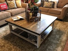 Large rustic coffee table with beautifully contrasting farmhouse colors. Reclaimed Wood Coffee Table, Rustic Coffee Tables, Rustic Table, Farmhouse Furniture, Farmhouse Table, Rustic Farmhouse, Farm House Colors, Rustic Mason Jars, Home Decor Hacks