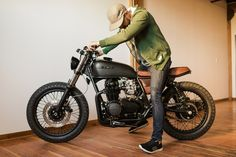 Awesome! Honda CB550 Brat Style by Federal Moto - Photos by Dong Kim #bratstyle #honda #motorcycles | caferacerpasion.com