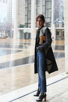 Gala gonzalez, conoce su espectacular look. Gala Gonzalez, Look Casual Otoño, Casual Chic, Daily Fashion, Everyday Fashion, Fashion Top, Fashion Women, Mode Outfits, Casual Outfits