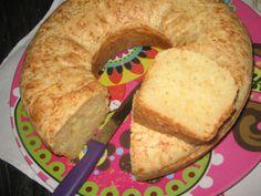 Receita de Mangulão (bolo de queijo). Enviada por Rosana Pilan e demora apenas 45 minutos.