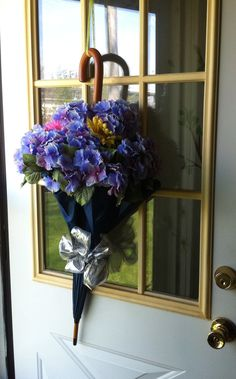 Cute Spring umbrella wreath.