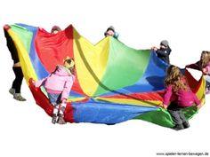 Schwungtuchspiele für Kinder Swing cloth games for children Outdoor Fun For Kids, Outdoor Games, Diy For Kids, Kids Fun, Group Activities, Physical Activities, Activities For Kids, Kids Nutrition, Nutrition Activities