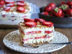 Enkel jordbærdessert i form | Godt.no Margarita Party, Food Cakes, Form, No Bake Cake, Afternoon Tea, Vanilla Cake, Tiramisu, Cake Recipes, Cheesecake