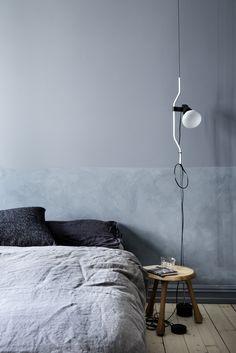 Wabi Sabi interior decor - the latest wall finishes trends - limewashed walls Interior Design Blogs, Interior Inspiration, Bedroom Inspiration, Bedroom Lamps, Bedroom Decor, Bedroom Table, Master Bedroom, Turbulence Deco, Wall Finishes