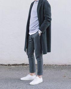 monochrome // grey, menswear, mens, style, fashion, sneakers, topcoat, casual, sweatshirt, fall, winter, street, nyc