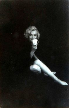 Milton H. Greene New York - 1985 Los Angeles) Marilyn Monroe session date: life time print black and whit. Marilyn Monroe, People Drinking Coffee, Milton Greene, Portraits, Norma Jeane, Classic Beauty, Sensual, American Actress, My Idol