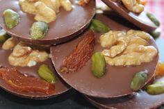 Handgeschöpfte Schokoladen-Spezialitäten vom Cafe Müller in Durbach bekommt ihr auf: http://shop.markt-scheune.com/