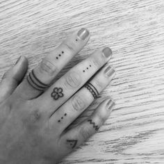 What does stick and poke tattoo mean? We have stick and poke tattoo ideas, designs, symbolism and we explain the meaning behind the tattoo. Cute Finger Tattoos, Finger Tattoo For Women, Cute Tiny Tattoos, Finger Tats, Mini Tattoos, Small Tattoos, Tattoos For Guys, Tattoos For Women, Stick Poke Tattoo