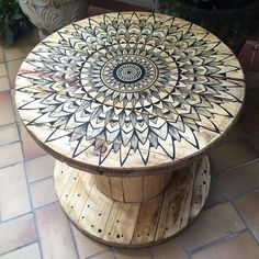 diy cable spool table for ummmm wherever Diy Cable Spool Table, Wooden Spool Tables, Wood Spool, Cable Spool Ideas, Upcycled Furniture, Pallet Furniture, Furniture Makeover, Painted Furniture, Furniture Design