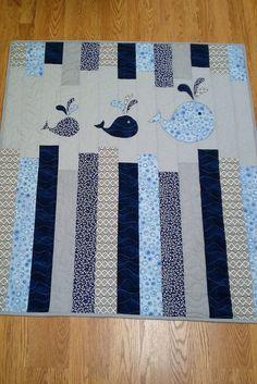 Little Bunny Quilts: Fertig, fertig, hoch! {Musterpremiere} - My Quilt Ideas Jellyroll Quilts, Patchwork Quilting, Applique Quilts, Patchwork Baby, Quilt Baby, Rag Quilt, Baby Boy Quilt Patterns, Chevron Baby Quilts, Quilted Baby Blanket