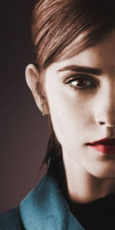 Emma Watson Emma Watson ♥ More Don't Build Without A Hardwood Floor Article Body: As an interior des Emma Watson Beautiful, Emma Love, Emma Watson Sexiest, Hermione Granger, Harry Potter Film, Emma Beauty, Facial Recognition, Face Photo, English Actresses