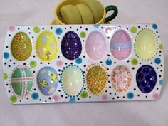 Hand painted deviled egg tray. Hand Painted Pottery, Ceramic Pottery, Pottery Art, Ceramic Art, Pottery Ideas, Ceramic Plates, Clay Art Projects, Ceramics Projects, Ceramics Ideas