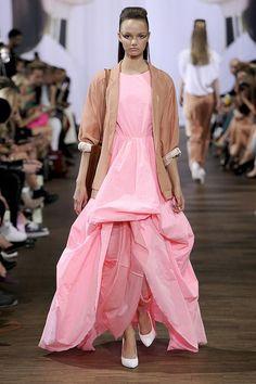 Trendwatch Spring/Summer Mädchenträume in Pink und Rosa - Designers Remix Vogue, Copenhagen Fashion Week, My Wardrobe, Catwalk, All Things, Pink, Designers, Runway, Ballet Skirt