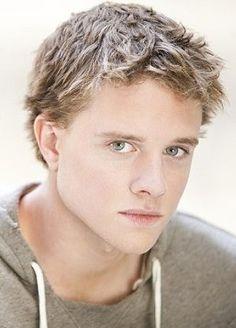 Jonny Weston from Chasing Mavericks- Ahhh love him, he's so cute!