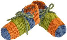 pantuflas tejiendoperu.com Baby Hats Knitting, Knitting Stitches, Knitted Slippers, Fingerless Gloves, Arm Warmers, Crochet Projects, Loom, Baby Shoes, Crochet Patterns