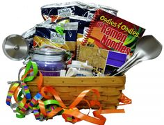 Are you having trouble finding the perfect graduation gift for the new college student? College Gift Baskets can be not only inexpensive but very useful for the new college student. Making the baskets yourself personalizes the gift basket even more. College Graduation Gifts, College Gifts, Grad Gifts, Party Gifts, Graduation Ideas, Homemade Gift Baskets, Homemade Gifts, College Gift Baskets, Making A Gift Basket