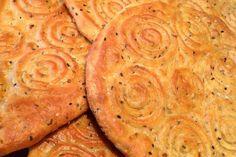 Indian Dessert Recipes, Sweets Recipes, Desert Recipes, Cooking Recipes, Arabic Dessert, Arabic Sweets, Arabic Food, Kaak Recipe, Middle Eastern Desserts