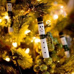 Cute snowman ornaments made from cinnamon sticks!