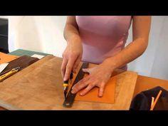 Cette vidéo vous montre comment réaliser la coupe main pour le cuir Retrouvez l'intégralité des outils, cuirs et composants présents dans cette vidéo sur notre site: www.cuirtextilecrea.com