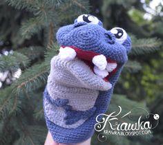hand puppet crochet dinosaur big mouth funny dino for children mascot amigurumi stick tongue out dinozaur na szydełku marionetka kukiełka na rękę do zabawy dla dzieci ręcznie robiony darmowy wzór free pattern