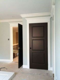 This for door and moulding upstairs - Cosas de casa