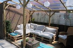 onze veranda is klaar!Met dank aan Welke voor de inspiratie!! Door eer1969 Outdoor Seating, Outdoor Spaces, Outdoor Decor, Outside Living, Outdoor Living, Porch And Balcony, Terrace Garden, Outdoor Projects, Backyard Patio