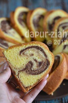 dapur-ziah by mama'e Zie: Marmer Cake Jadoel by Ibu Siu Erl Indonesian Desserts, Asian Desserts, Indonesian Food, Delicious Cake Recipes, Yummy Cakes, Marmer Cake, Pond Cake, Marble Pound Cakes, Cake Receipe