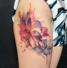50 Gorgeous Yet Delicate Flower Tattoo Designs For Your Own Inspiration Delicate Flower Tattoo, Lotus Flower Tattoo Design, Flower Tattoo Back, Flower Tattoo Shoulder, Floral Tattoo Design, Pretty Flower Tattoos, Design Tattoos, Sexy Tattoos, Body Art Tattoos