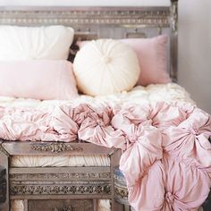 Rosette Bedding in Tuscan Pink - Quilts - At Home---- flip colors