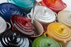 Le Creuset, can't just pick one colour. Le Creuset, Cooking Gadgets, Kitchen Gadgets, Kitchen Stuff, Kitchen Decor, Best Pie, Ate Too Much, Dutch Oven, Pick One