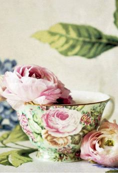 gorgeous full bloom rose tea cup in pink and green