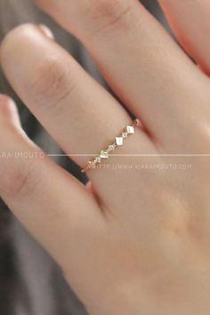 Shop this every day use gold ring embellished with moissanite gemstones #gemstonerings #goldrings #goldjewelry #stylishrings #weddingrings Solid Gold Jewelry, Unique Jewelry, Gold Rings, Gemstone Rings, Stylish Rings, Moissanite, 18k Gold, Wedding Bands, Gemstones