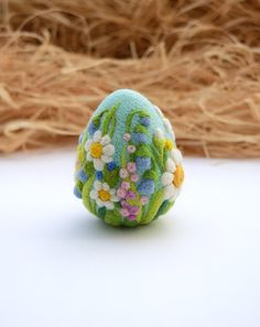 Easter Felted Eggs, Easter Flowers Decorations, Easter Gift, Felted Ornaments, Needle Felted Egg #イースター もっと見る