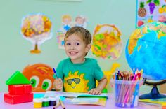 Are you wondering what your kid needs to know before kindergarten? Here are some kindergarten skills to teach your little one before school starts. Petite Section, Top Boarding Schools, High Emotional Intelligence, Before Kindergarten, Teaching Kindergarten, Kindergarten Freebies, Preschool, Residential Schools, Parent Teacher Conferences