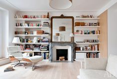 Living Room Decor, Living Spaces, Bedroom Decor, Home Library Design, House Design, Floor To Ceiling Bookshelves, Bookshelf Wall, Home Libraries, Interior Decorating