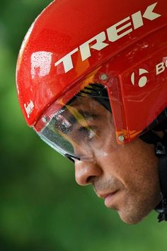 Spain's Alberto Contador concentrates prior to taking the start of a 14 km individual time-trial, the first stage of the 104th edition of the Tour de France cycling race on July 1, 2017 in and around Dusseldorf, Germany. / AFP PHOTO / Lionel BONAVENTURE