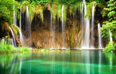33 Amazing And Beautiful Places Around The World, Plitvice Lakes National Park, is the oldest national park in Southeast Europe and the largest national park in Croatia.