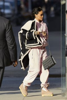 High Times: A Look Back at Rihanna's Stoner-Chic Style High Times: A Look Back at Rihanna's Stoner-Chic Style Rihanna Street Style, Mode Rihanna, Rihanna Riri, Street Chic, Fashion Killa, Look Fashion, Trendy Fashion, Fashion Outfits, Womens Fashion