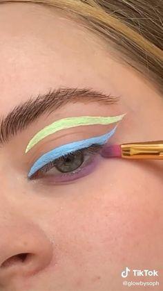 Edgy Makeup, Makeup Eye Looks, Minimal Makeup, Eye Makeup Art, No Eyeliner Makeup, Makeup Geek, Color Eyeliner, Kiss Makeup, Green Eyeshadow