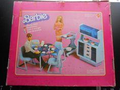 BARBIE DREAM HOUSE FURNITURE BUFFET MATTEL Dining Room HUTCH DRESSER BLUE