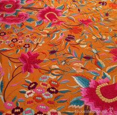 Antigüedades: Mantón de Manila antiguo bordado en seda a mano en naranja con tulipanes de finales del s.XIX - Foto 3 - 57872164