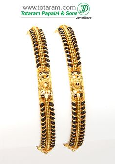 22 Karat Fine Gold Bangles - Set of 2 Pair) with Black Beads Gold Ring Designs, Gold Bangles Design, Gold Jewellery Design, Gold Jewelry, Beaded Jewelry, Antique Jewelry, Jewelery, Gold Jhumka Earrings, Gold Necklace